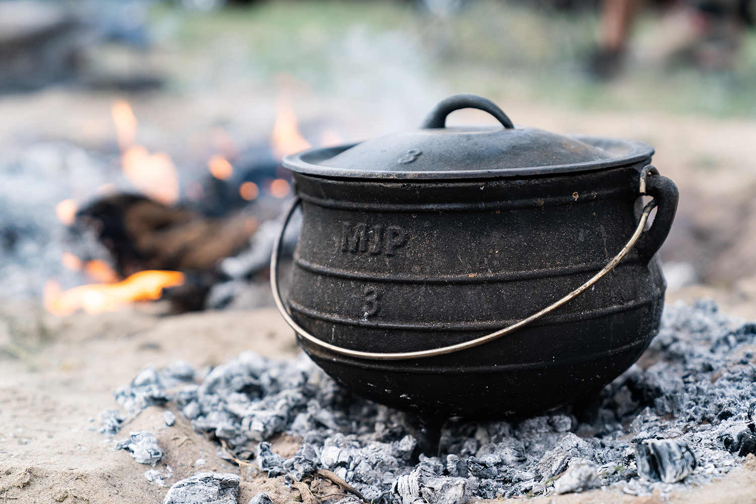 Cosy Campfire Cook Pots for 2